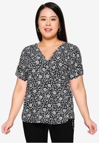 Only CARMAKOMA black Plus Size Lollib Short Sleeve Wrap Top 5E23BAA787272CGS_1