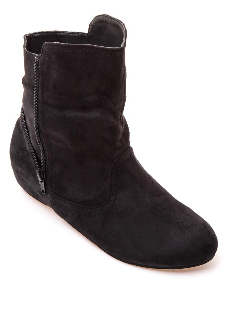 Yassi Boots