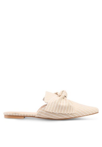 Something Borrowed beige Pin-striped Slip on flats DE8FFSHC3E8079GS_1