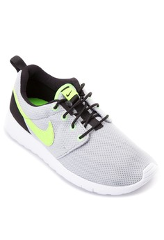 Nike Roshe One Boys' Shoes