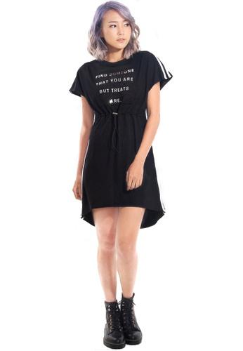 Kitschen black Graphic Text Dress with Flexi Waist Strap 67109AA8869935GS_1
