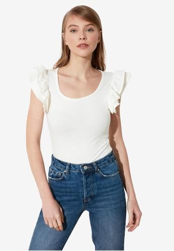 Trendyol white Ruffle Sleeve Top C90ADAA11C8346GS_1