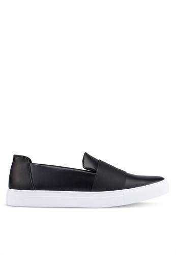ZALORA black Contemporary Slip Ons ED45DSH5340F61GS_1