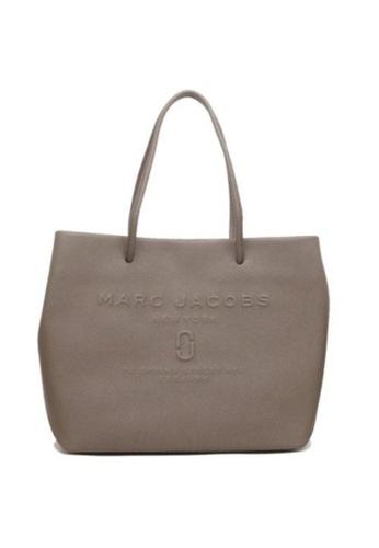 Marc Jacobs brown Marc Jacobs Logo Shopper M0015766 East West Tote Bag In Loam Soil 53808AC92B64D8GS_1