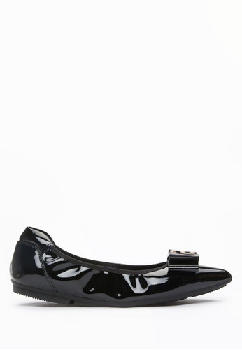 PAZZION black Glossy Pointed Flats 4801ASHDF364D6GS_1