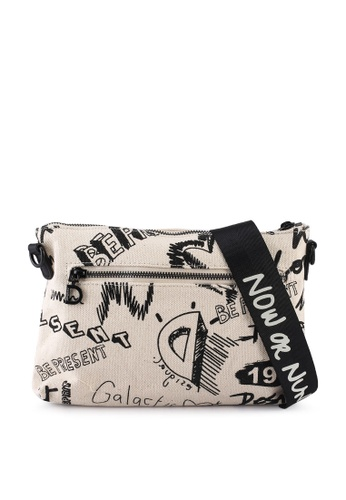 Desigual white Small Sling Bag 92A04AC1FA222EGS_1