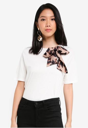 River Island white White Leopard Print Bow Detail T-Shirt 88737AA288A818GS_1