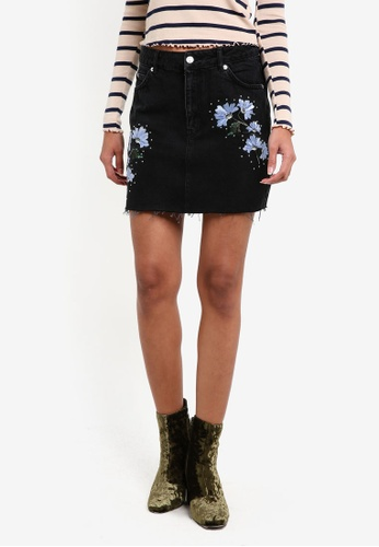 TOPSHOP black MOTO Floral Embroidered Skirt TO412AA0RY3QMY_1