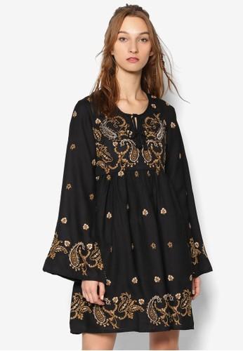 刺zalora taiwan 時尚購物網鞋子繡印花傘擺寬版連身裙, 服飾, 洋裝