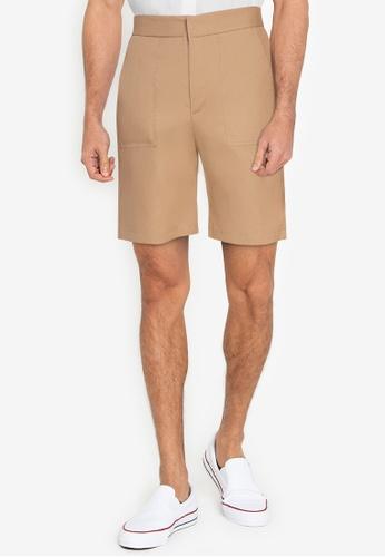 ZALORA BASICS brown Patch Pocket Shorts 99AB3AA4E35970GS_1