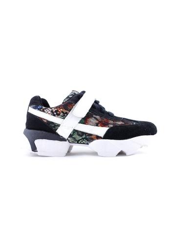 Te Chi-Chi black Korean Color Sneakers TE125SH83MIEMY_1