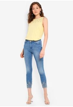 79f5c2cf 30% OFF ESPRIT Embroidery Crop Jeans S$ 99.95 NOW S$ 69.95 Sizes W2626  W2726 W2826 W2926