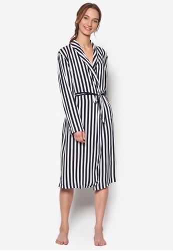 披肩翻領條紋長袍, 服zalora時尚購物網的koumi koumi飾, 服飾