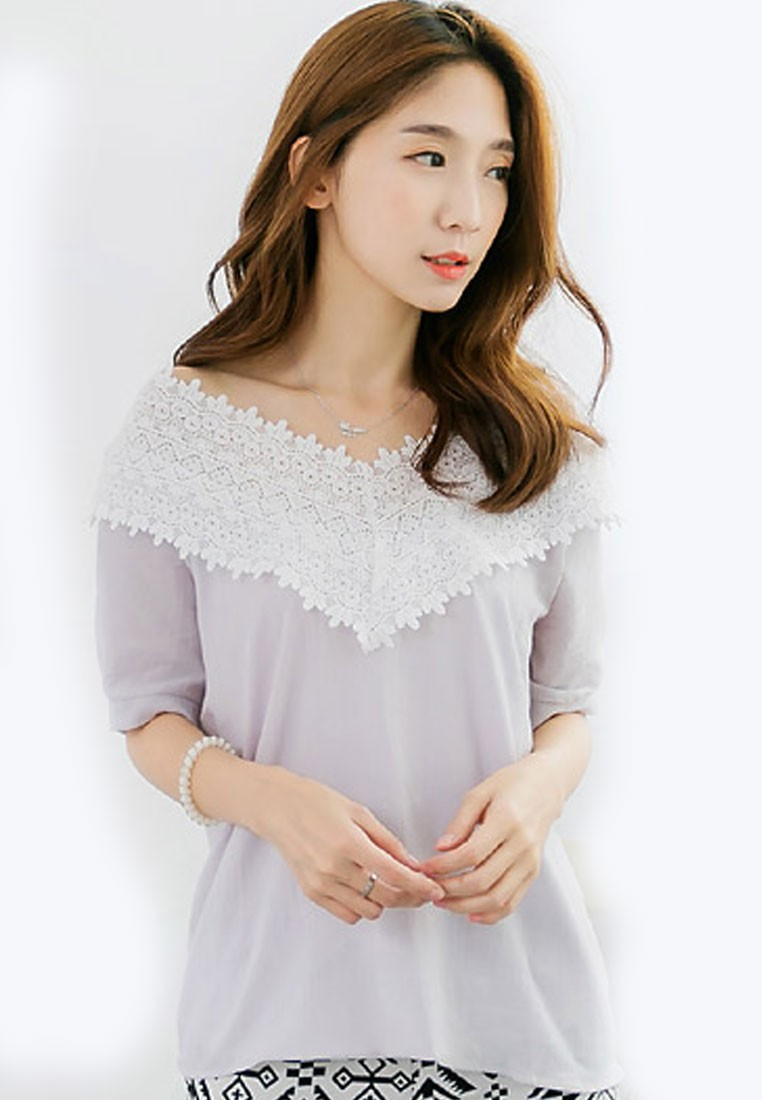 Modest Lace Femme Tee