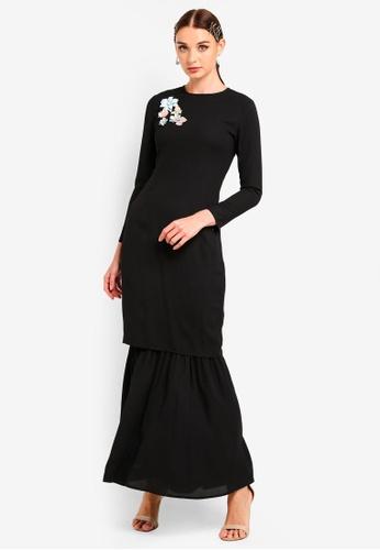 Embellished Slim Tunic Set from Zalia in Black