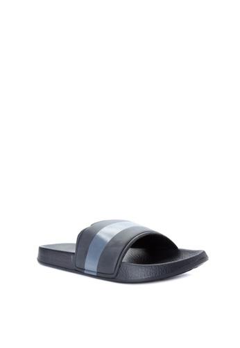 Penshoppe black Rubber Slippers PE499SH0IYYSPH_1