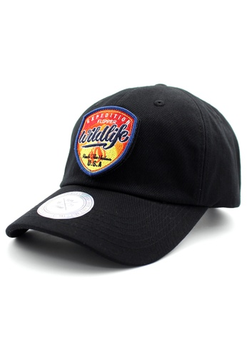 DOSSCAPS black and red Red Wildlife Patch Baseball Cap DO290AC0RJZDMY_1