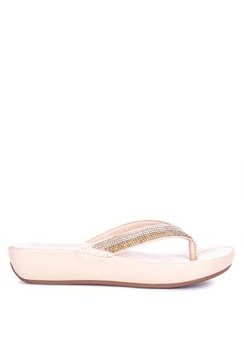 CLN beige Charisma Thong Sandals A10CESH5540163GS_1