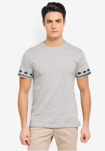 ZALORA grey Patterned Brush Print On Sleeve Tee 16386AA797CFE4GS_1
