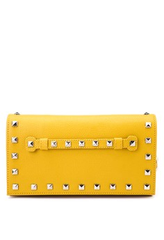 Pouch With Stud