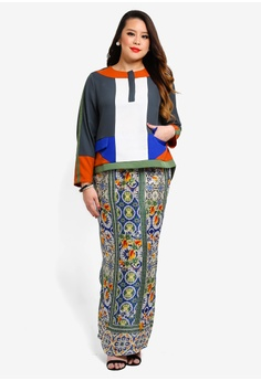 973e3a163d4 25% OFF Love By Syomir Tricia Top And Long Skirt RM 560.00 NOW RM 419.90  Sizes XXL XXXL XXXXL XXXXXL
