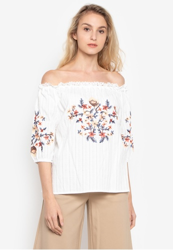 CIGNAL white Embroidered Off-Shoulder Blouse C693CAAA82C741GS_1