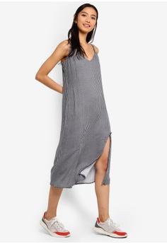 fc41909b5e2 20% OFF Cotton On Woven Bloom Midi Slip Dress RM 104.00 NOW RM 82.90 Sizes  XXS XS S M L