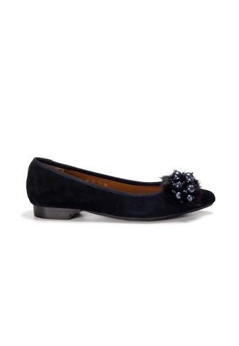 Shu Talk black LeccaLecca Furry Charms Pointy Flats 6EF3DSHF2DC122GS_1