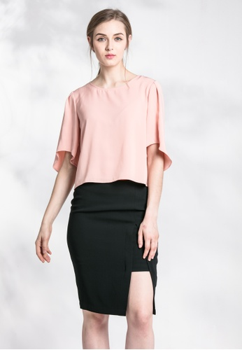 Les Premieres pink Quincy Slanted Sleeves Cropped Top 59EB2AA959E0F9GS_1