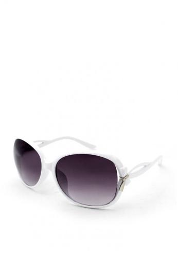 Peculiar and Odd white Peculiar Oversized 9501 Full Rim Gradient Sunglasses C80CCGLFC0727AGS_1