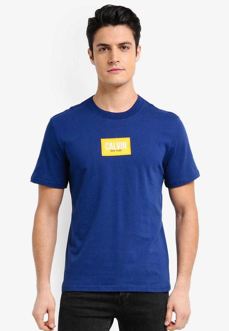 Blue Calvin Klein Short Depths Jeans Badge Calvin Neck Klein Sleeve Tee Crew wxOnX6av