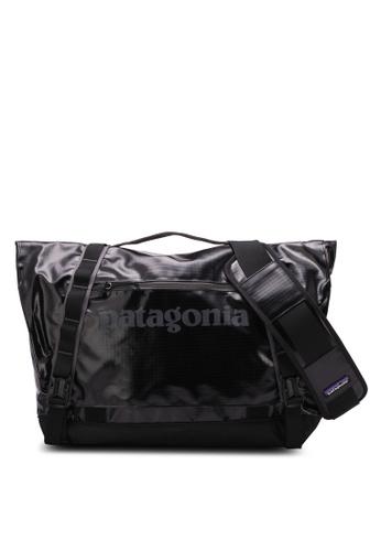 Patagonia black Black Hole Messenger Bag PA549AC0RKP4MY_1