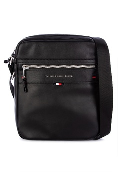 e1fc80b293744 Tommy Hilfiger black Elevated Reporter Bag 42FCAACD4AE222GS 1
