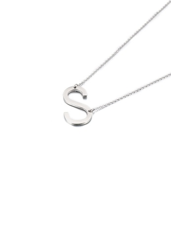 Glamorousky 銀色 簡約時尚英文字母S 316L鋼吊墜配項鏈 37A8CACBBF1597GS_1