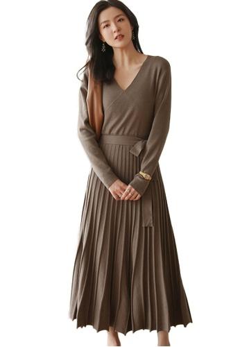 Sunnydaysweety 米褐色 收腰百褶大擺針織連身裙 A092209KI EDE37AA142219CGS_1