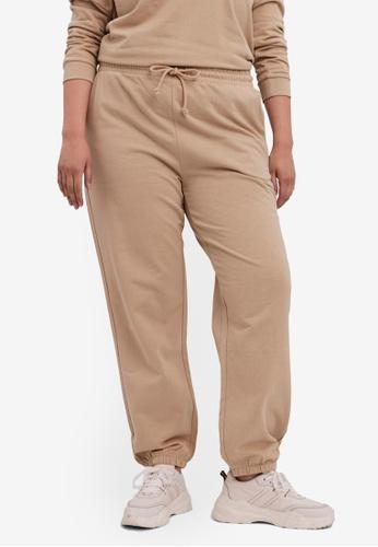 Vero Moda beige Plus Size Octavia High Waist Sweatpants B77A2AA96BA74EGS_1