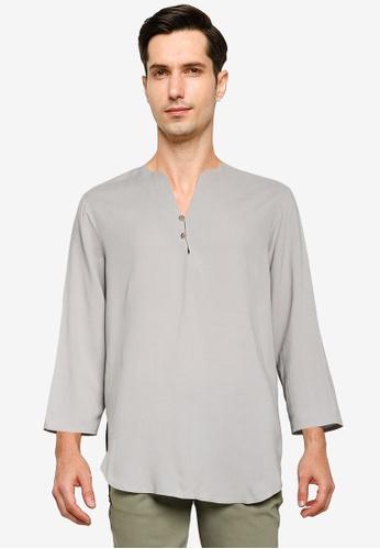 ZALORA BASICS grey V-Neck Resort Shirt DCEB3AA6E07CA2GS_1