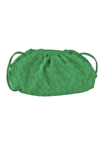 TEERA BELLESA green Pop Clutch Mengkuang in Green 6521BAC3CCED2DGS_1
