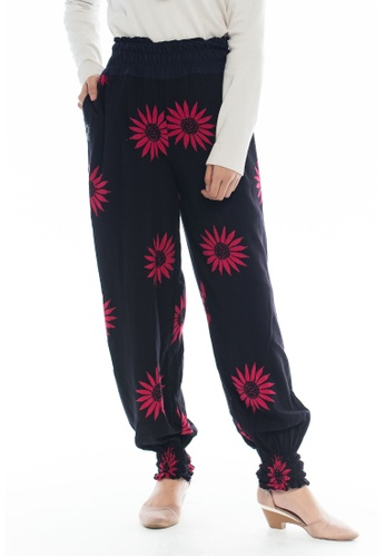 44c05f7737 SANTAI black and pink Olgado Harem Pants in Pink Sunflower  02150AA8F2E6FBGS 1