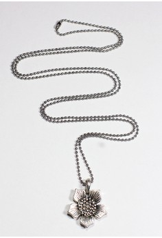 Metal Marigold Flower Necklace