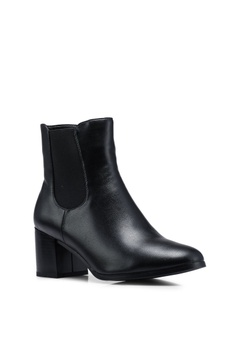 8bae4a7ed2afe BETSY Hannah Heel Boots RM 169.00. Available in several sizes