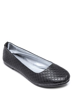 Ms.Ebony Flats