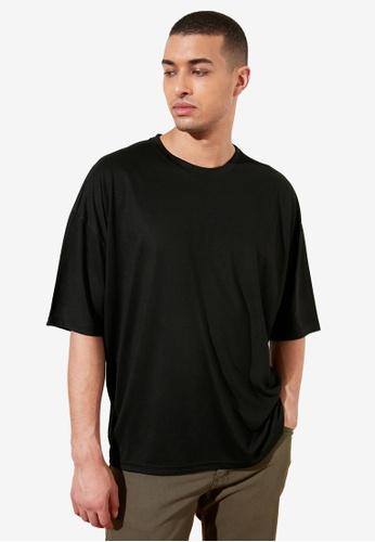 Trendyol black Basic Crew Neck Longline T-Shirt 4B5C4AA7464579GS_1