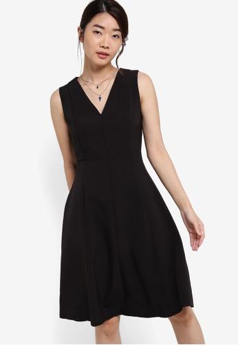 ZALORA black Collection V Neck Fit & Flare Dress 79749AA5DDB006GS_1
