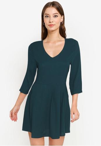 ZALORA WORK green V-Neck 3/4 Sleeve Dress D32CCAADD566FCGS_1