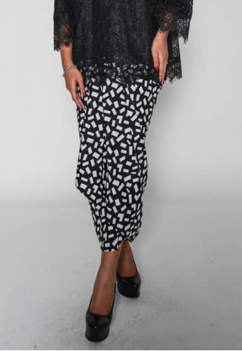 Naphthys Collection black and white Batik Skirt/Sarong E41D3AA7190E51GS_1