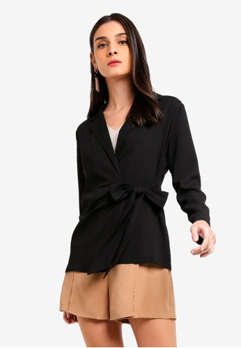 ZALORA 黑色 Long Sleeves Pleated Wrap Blouse B456AAA19D7844GS_1
