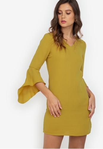 ZALORA WORK yellow Fluted Sleeves V Neck Dress 5901DAA9E3C2ECGS_1