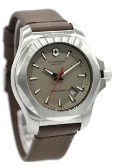 Victorinox INOX 241738 Jam Tangan Pria Leather Strap Coklat Ring Silver