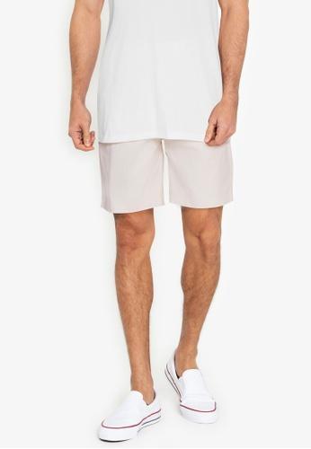 ZALORA BASICS beige Patch Pocket Shorts CAE9AAA12D9FC1GS_1